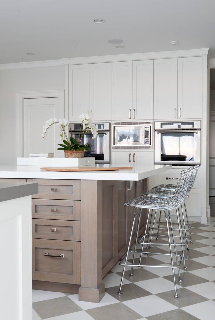 Greenwich: modern Kitchen by foley&cox