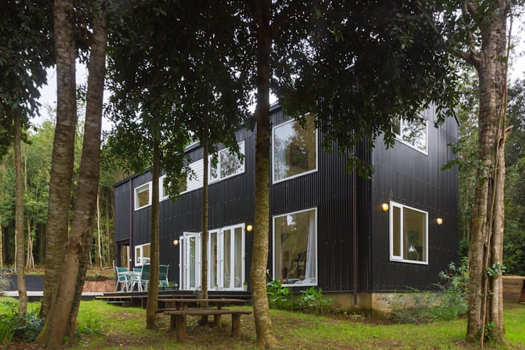HP HOUSE: Casas de estilo  por Moraga Höpfner Arquitectos