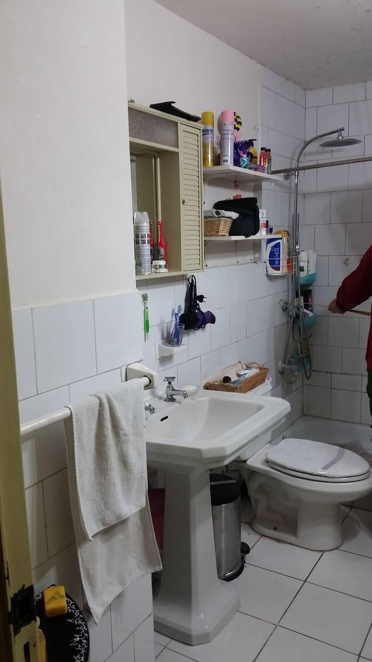 Baño Cliente antes de remodelación parte 2:  de estilo  por Mettox construcciones