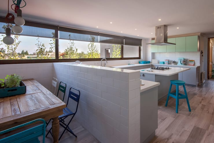 Kitchen by JPV Arquitecto