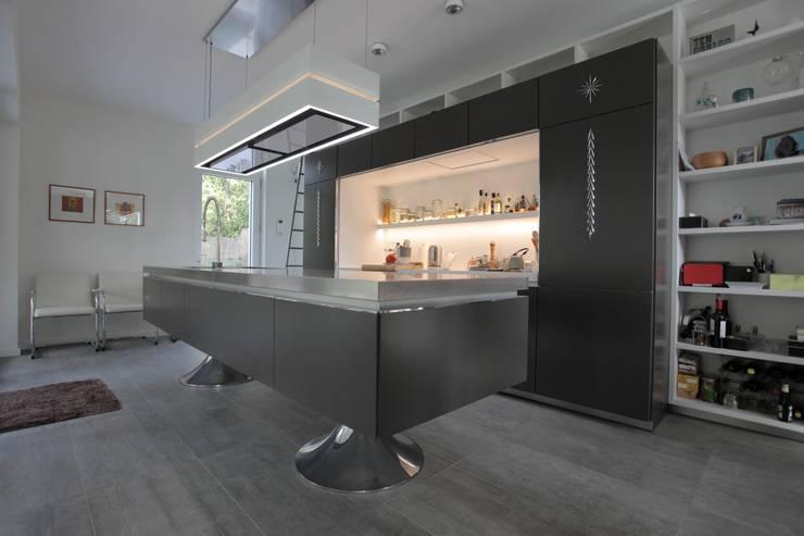 Starck Keuken:  Keuken door Alewaters & Zonen