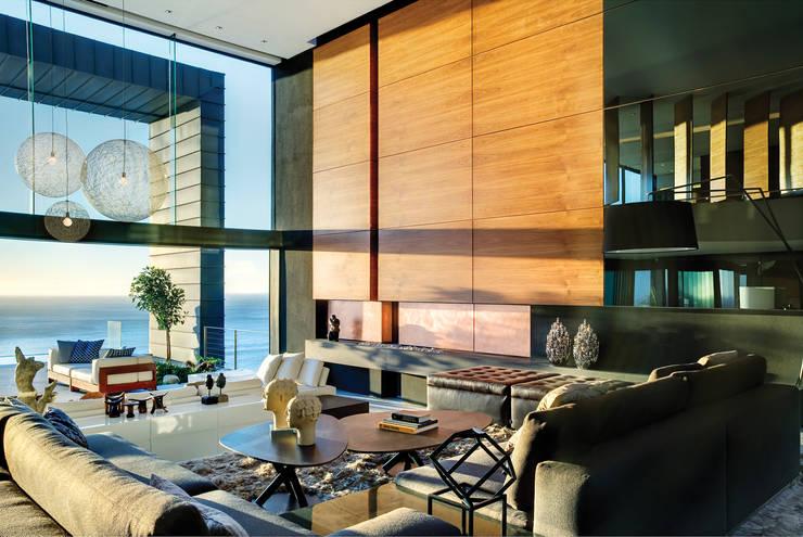 Nettleton 199:  Living room by ARRCC, Eclectic