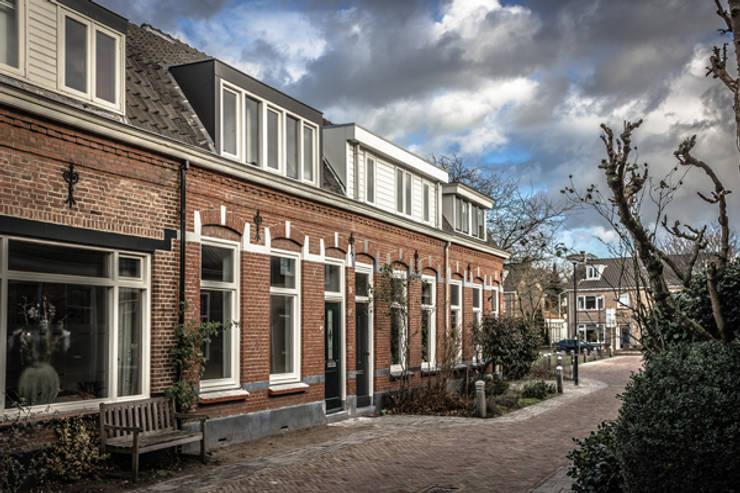 Voorgevel:  Huizen door architectenbureau Huib Koman (abHK)