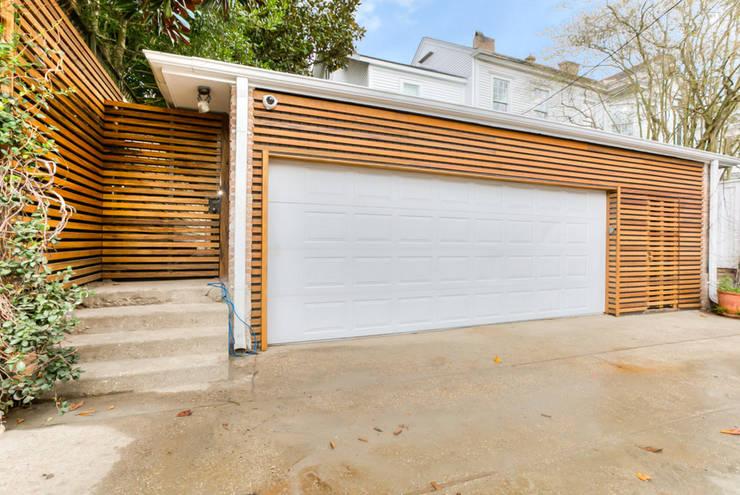 Garajes de estilo  por studioWTA