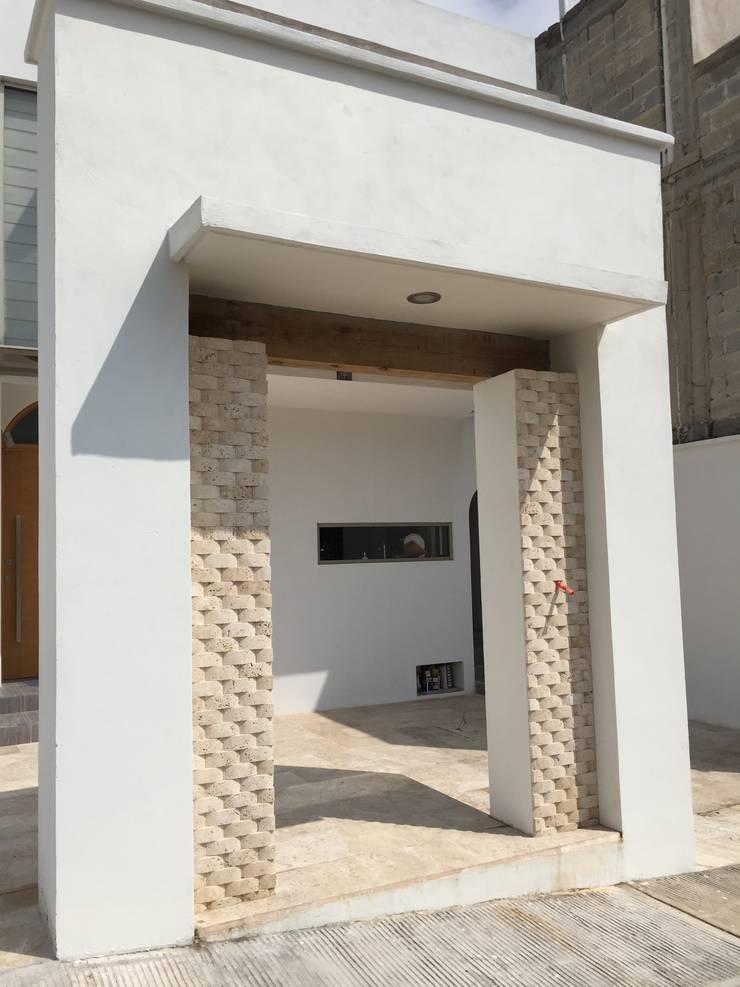 Detalle: Casas de estilo  por Cahtal Arquitectos
