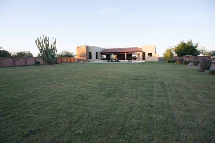 Garden by TAMEN arquitectura