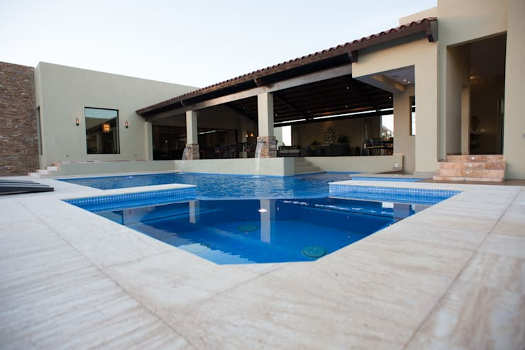 modern Pool by TAMEN arquitectura