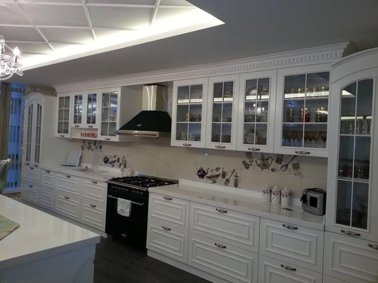 Projekty,  Kuchnia zaprojektowane przez ORJİNAL MOBİLYA DEKORASYON