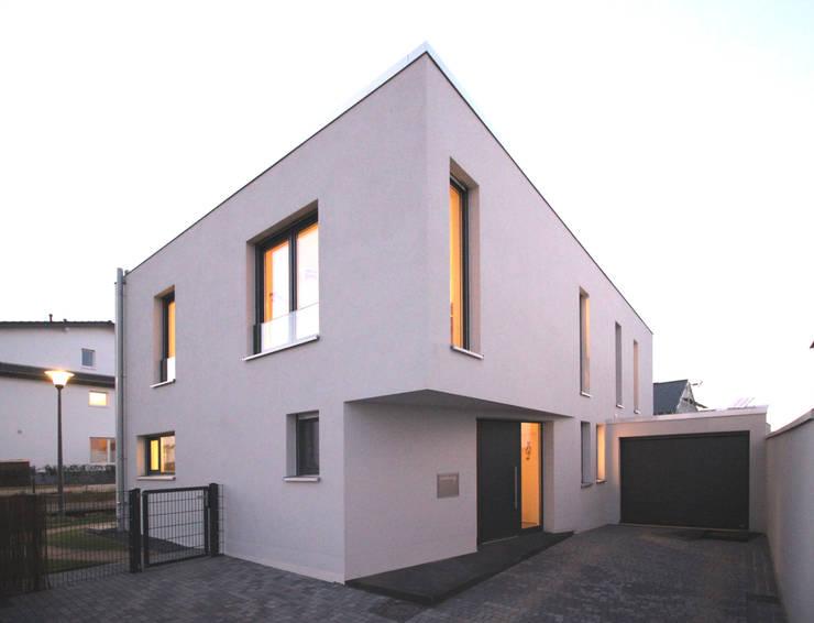 Neubau in Bonn:  Häuser von PlanBar Architektur