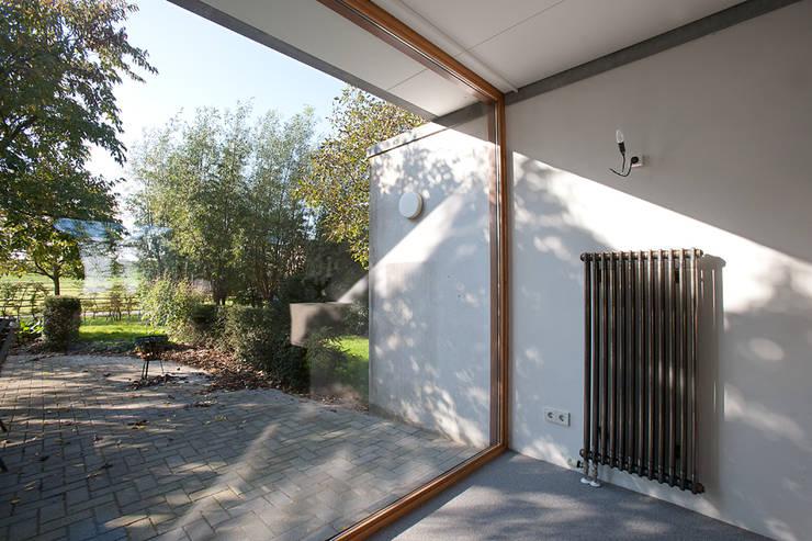 binnen/buiten:  Huizen door De E-novatiewinkel, Modern IJzer / Staal