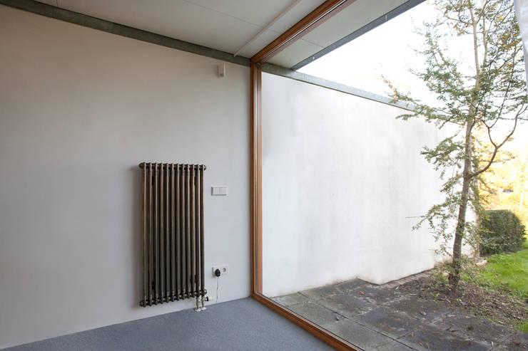 binnen/buiten:  Huizen door De E-novatiewinkel, Modern Hout Hout