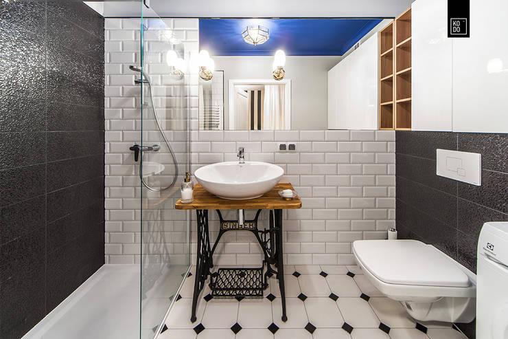 浴室 by KODO projekty i realizacje wnętrz
