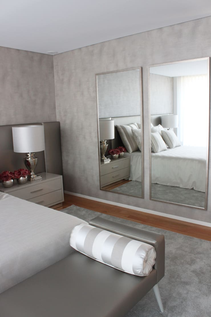 Casa de Braga- Quarto de Casal: Quartos  por NOZ-MOSCADA INTERIORES