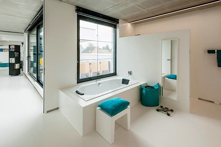 Nijsten - Vandeput:  Badkamer door Architectenbureau Dirk Nijsten bvba