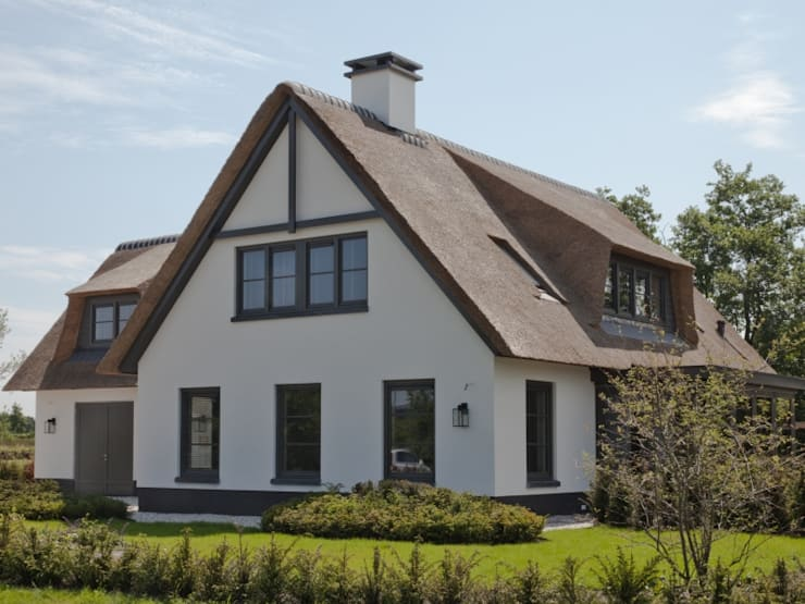 Houses by Groothuisbouw Emmeloord, Modern