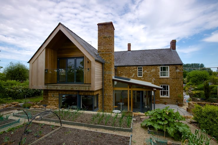 Fern Cottage, Warwickshire:  Houses by Hayward Smart Architects Ltd