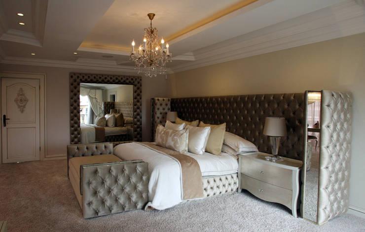 Main bedroom: classic Bedroom by Tru Interiors