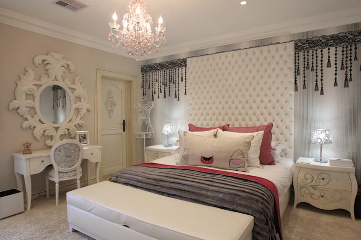Little Girls Bedroom:  Bedroom by Tru Interiors