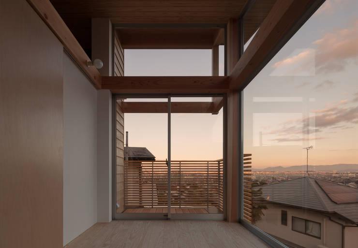Terrazas de estilo  por ろく設計室