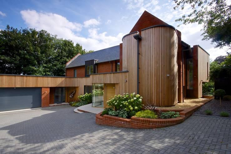 Houses by Hayward Smart Architects Ltd