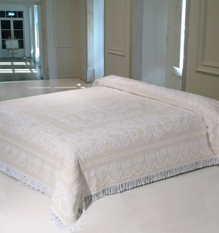 Bedroom by Linho de Cerva e Limões
