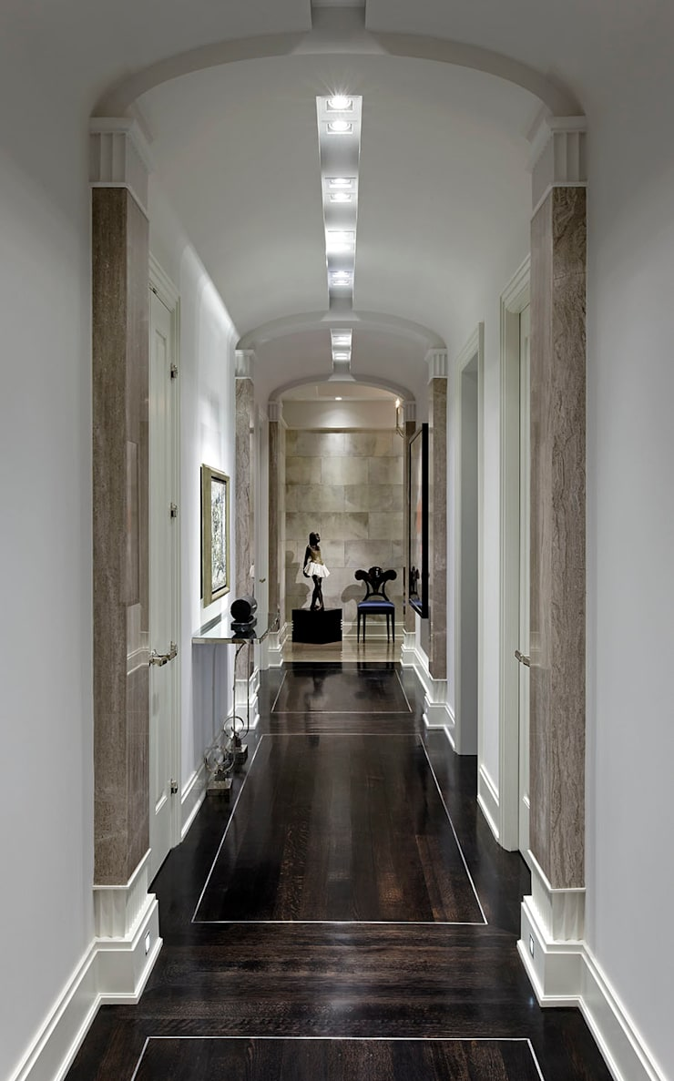 Hallway:  Corridor & hallway by Douglas Design Studio