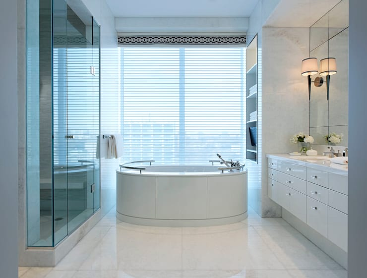 Bathroom:  Bathroom by Douglas Design Studio
