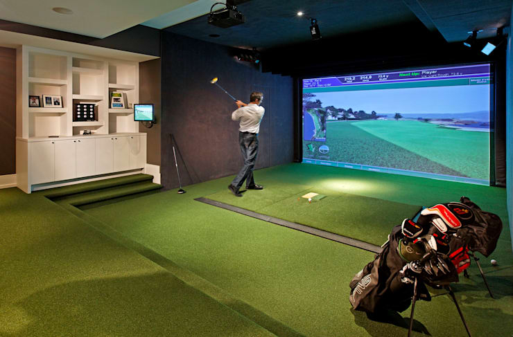 Golf Room:  Media room by Douglas Design Studio