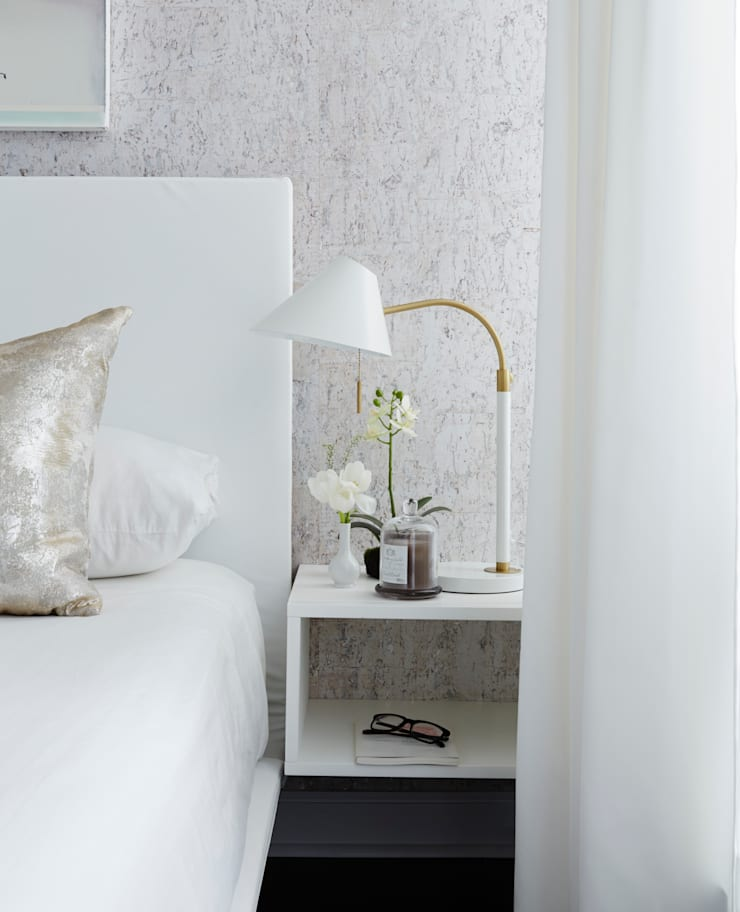 Bedroom Detail:  Bedroom by Douglas Design Studio