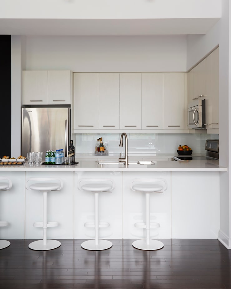 Kitchen:  Kitchen by Douglas Design Studio