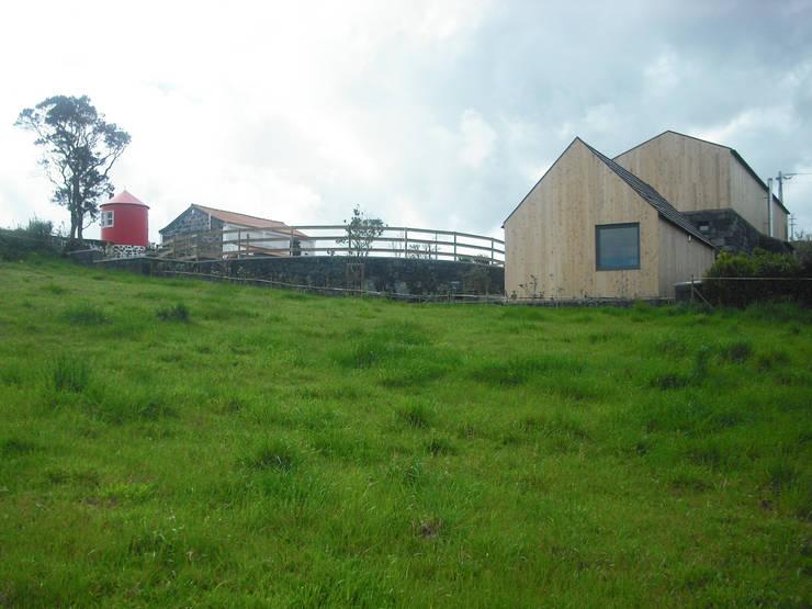 Case in stile  di H2Arquitectos