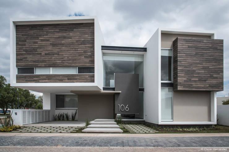Casa R + P  / ADI Arquitectura y Diseño Interior:  de estilo  por Oscar Hernández - Fotografía de Arquitectura