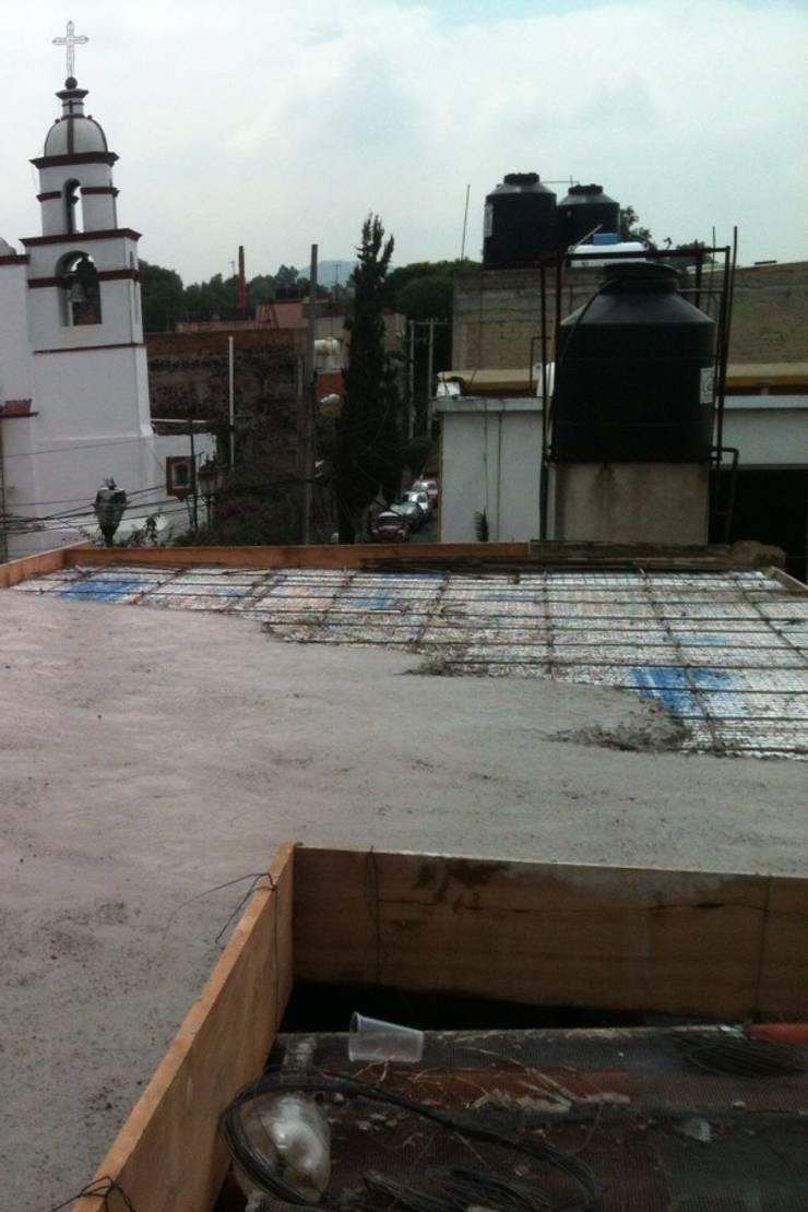 Losa Aligerada: Estudios y oficinas de estilo  por L&G Arquitectos