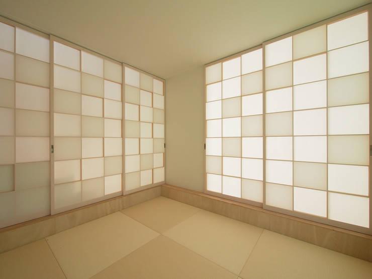 和室: イシウエヨシヒロ建築設計事務所 YIA が手掛けた和室です。