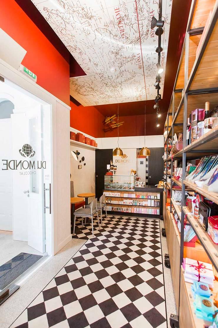 DuMonde Chocolaterie - SHI Studio Interior Design: Lojas e espaços comerciais  por SHI Studio, Sheila Moura Azevedo Interior Design