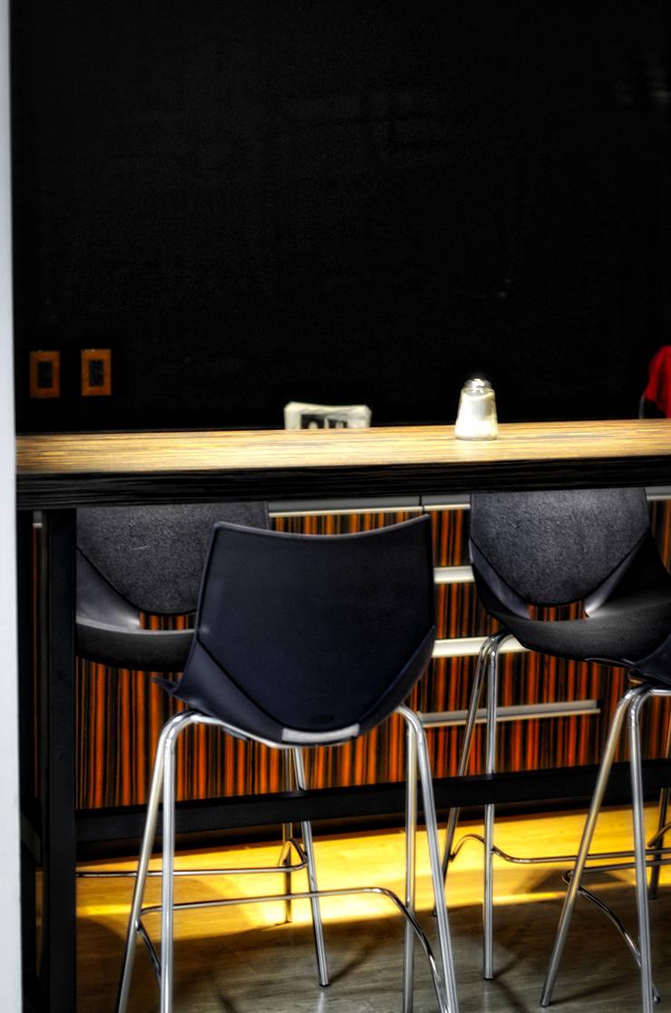 encimera cafe: Cocina de estilo  por ARQCUBO ARQUITECTOS