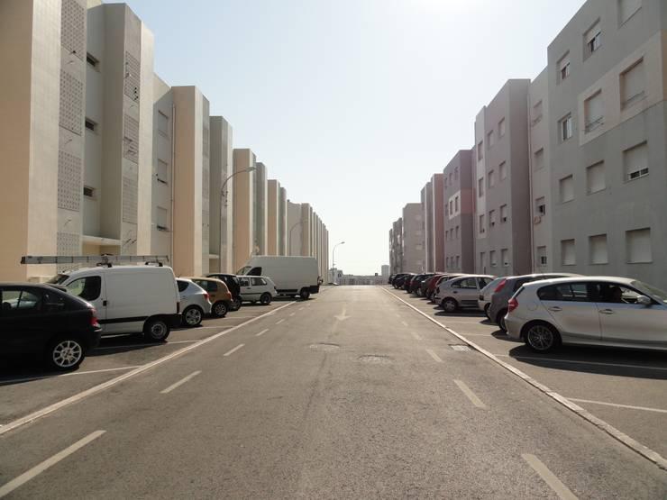 Habitação Social em Carnaxide: Casas  por 2levels, Arquitetura e Engenharia, Lda