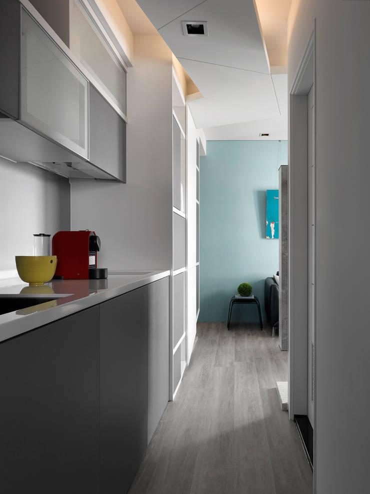 方寸之間:  廚房 by 樸暘室內裝修有限公司