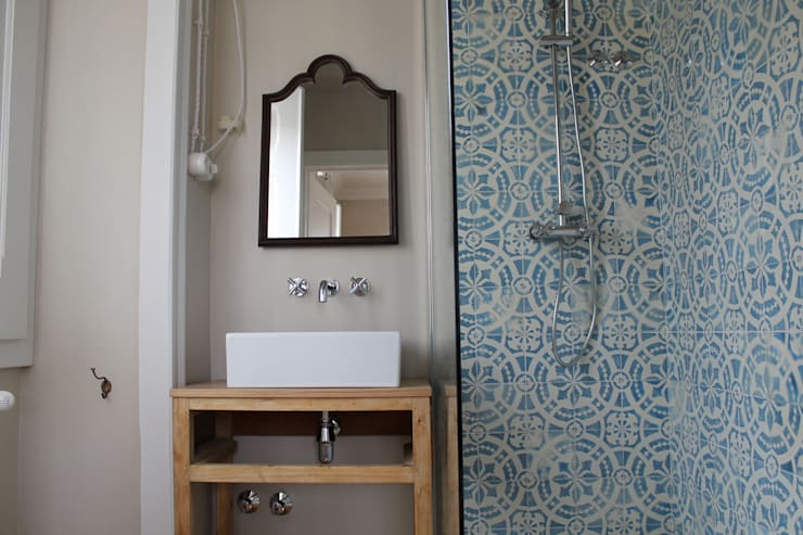 Casa de Campo | Albufeira Castelo de Bode | Abrantes: Casas de banho  por Paulo Miguez Arquitectos