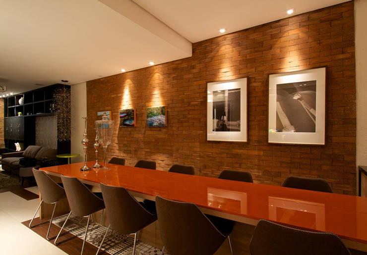 Cocinas de estilo moderno por  Ines Scisci Maciel Arquitetura