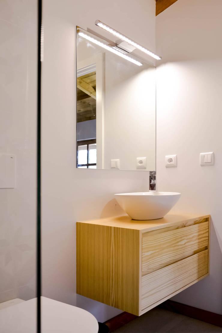 Turismo Rural | Casa Espigueiro: Casas de banho  por Tó Liss