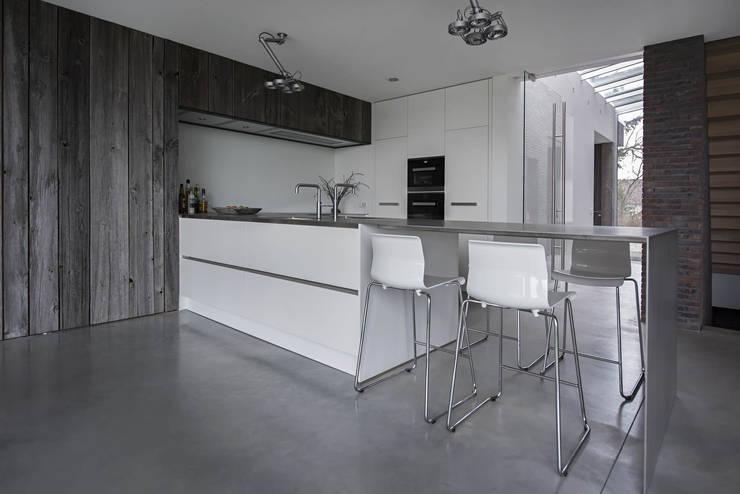 Keuken:  Keuken door Lab32 architecten