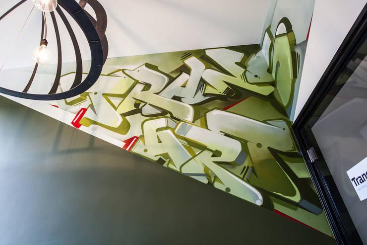 Graffiti:   door Bob Romijnders Architectuur & Interieur, Industrieel