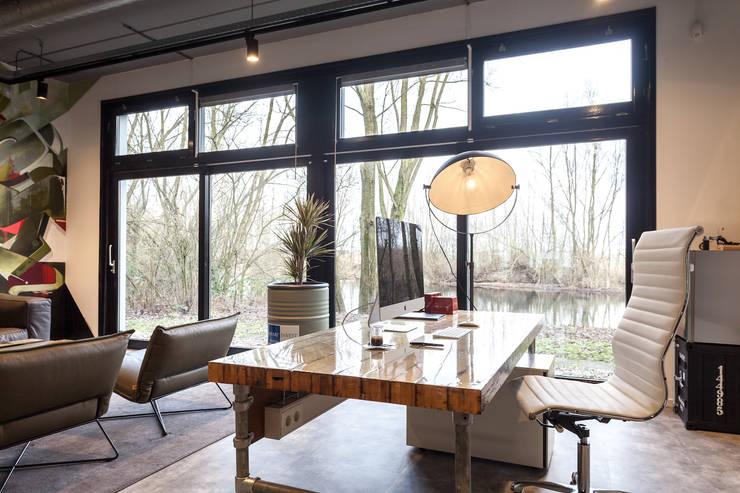 Bureau:   door Bob Romijnders Architectuur & Interieur, Industrieel
