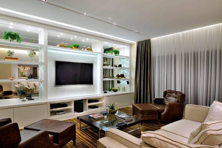 Salon de style  par Quitete&Faria Arquitetura e Decoração, Moderne