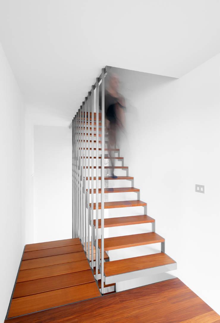 G31:  Gang en hal door das - design en architectuur studio bvba