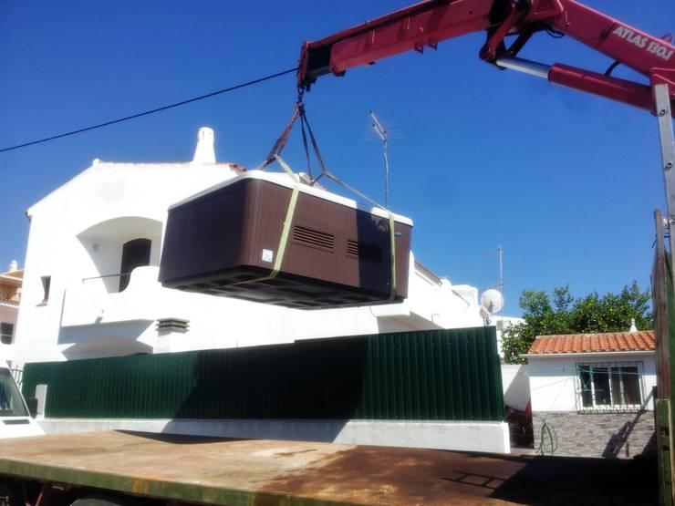 Transporte:   por Paisagem Adequada LDA,