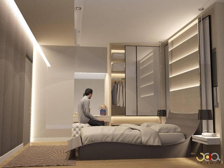 ม. รอยัล วิลล่า:  ห้องนอน by jcia co.,ltd