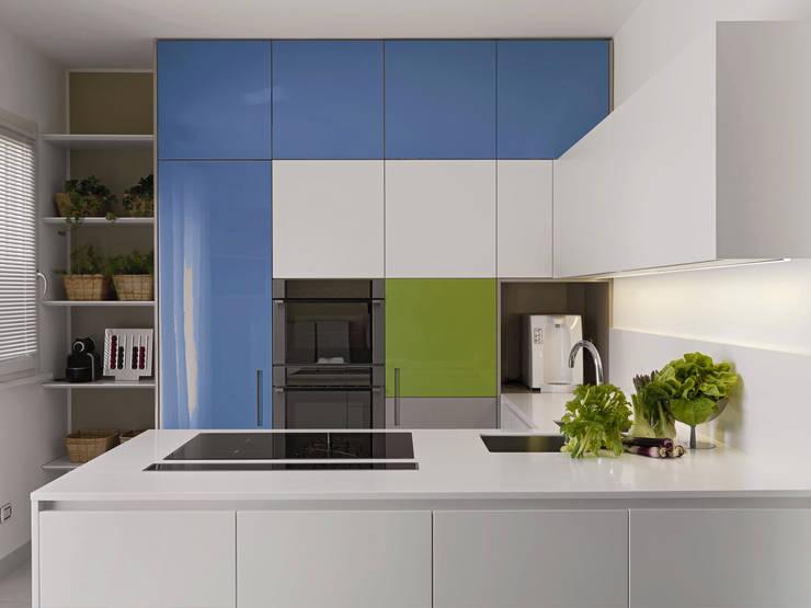 Glossexpert  – Lacquered Kitchen Cabinet Door : modern tarz , Modern Ahşap Ahşap rengi