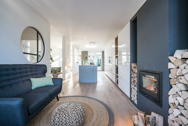 Fireplace:  Woonkamer door Masters of Interior Design, Modern Hout Hout